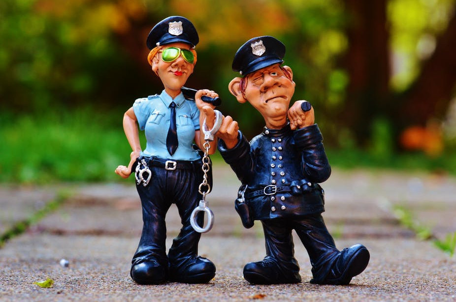 help-police-useful-english-for-officers-and-tourists